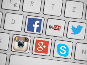 social media división andrómeda